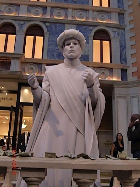 Dan R. Clark, Living Statue