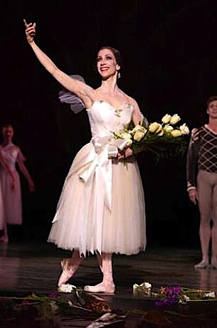 Joanna Berman in Helgi Tomasson's Giselle, San Francisco Ballet (Photo by Gina Gayle, San Francisco Chronicle)