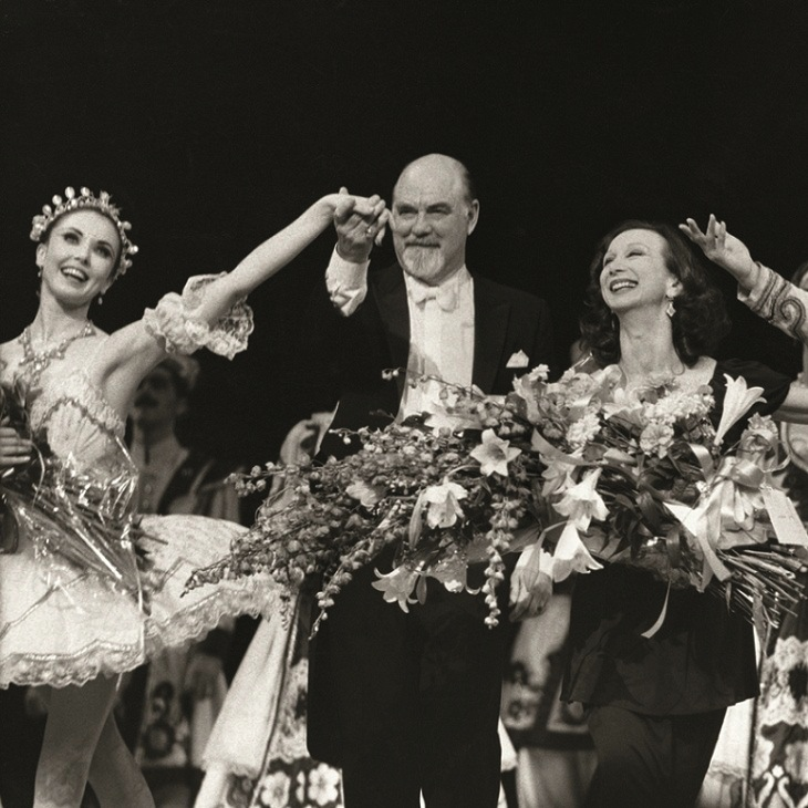 Christine Walsh, John Lanchbery and Maina Gielgud in the curtain call for for the Royal Gala Performance of The Sleeping Beauty, The Royal Opera House, Covent Garden, 1988. Courtesy Express Newspapers London