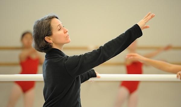Tina LeBlanc teaching at the San Francisco Ballet School  © Erik Tomasson